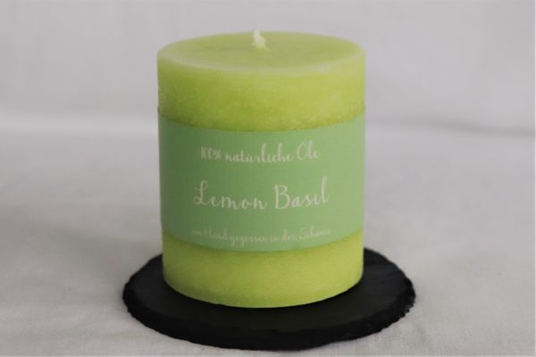 Handicraft scented candle by Schulthess Kerzen from Switzerland. Green color with fresh lemon scent - 100% Natural Oil